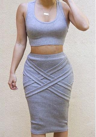 Sleeveless Crop Top+Pencil Skirt Outfit